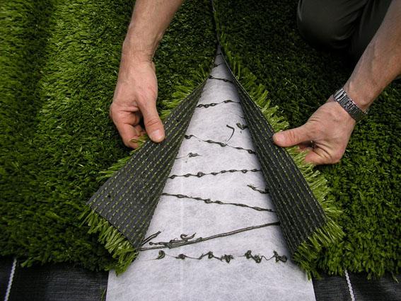 Instalación del césped artificial en el jardín - Cesped Artificial 24